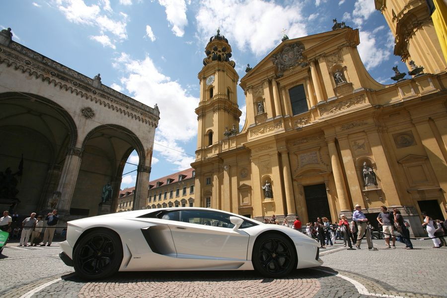 Rent a luxury car in Munich